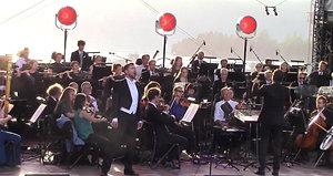 Nemico della patria, Jørgen Backer, Kringastningsorkesteret, Peter Szilvay