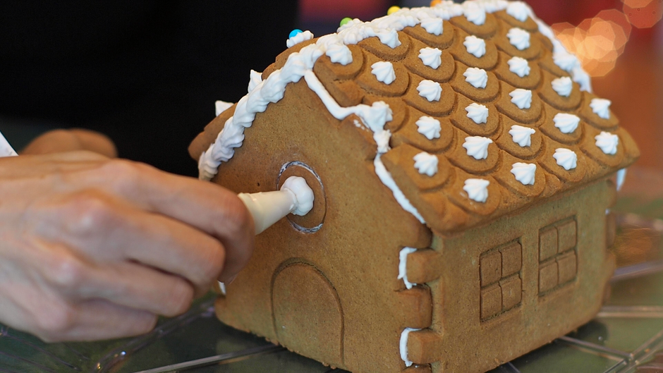 Gingerbread House Kit Tutorial