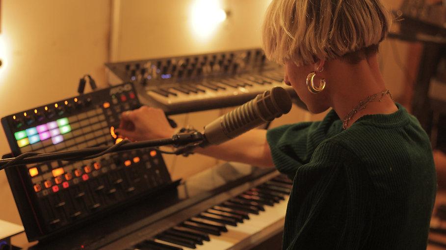 Live Sessions / Live