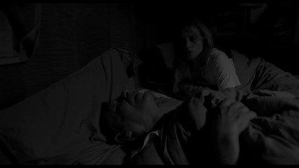 Vom Graben – Szene Schlafzimmer | Jahr