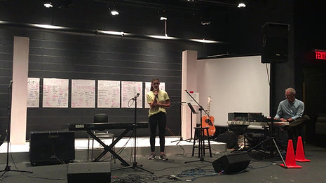 Veronica (15) sings Breathe - 2018 Open Mic at The Episcopal Academy