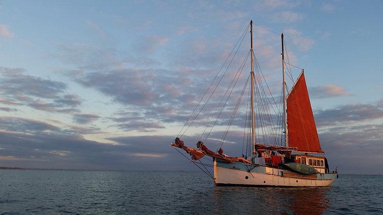 Annette sailing