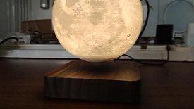 Maglev moon lamp (1)