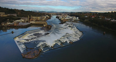 4K_UHD_Drone_Over_Willamette_Falls_Waterfalls_and_Old_Factory_Oregon_RYAN