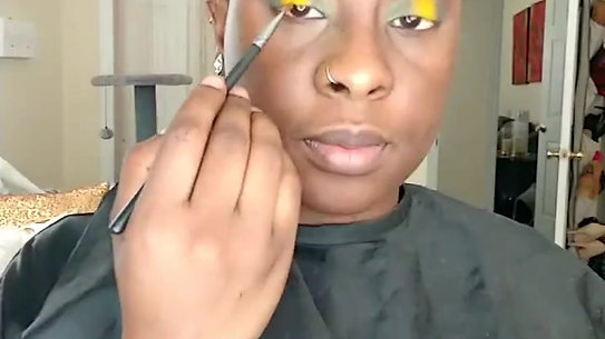 Green & Yellow halo cut crease
