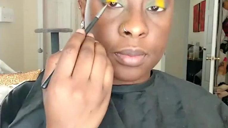 Green & Yellow halo cut crease