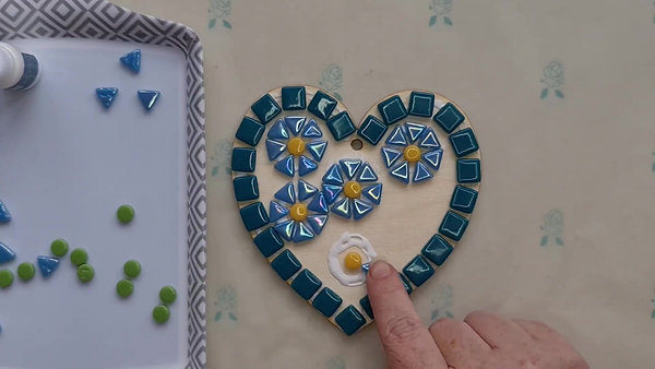 Forget-Me-Not Heart tutorial