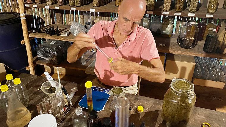 Dr. Bernd Neugebauer | Bernardo del Monte
