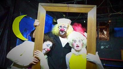 Приветствие от клоунов!))