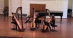 Triarpa - Schülerinnen von Yvonne Deusch präsentieren ihr Harfen-Trio