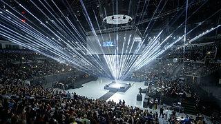Yapı Kredi - BizBize 75.Yıl Kutlamaları Işık Şov