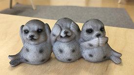 Die 3 Robben treffen auf Pia Pilzwurm