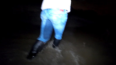 WetLook 222 girl in wet jeans and leather boots in deep water
