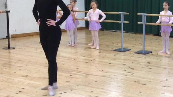 Comme on danse ! Cours de danse classique niveau débutant