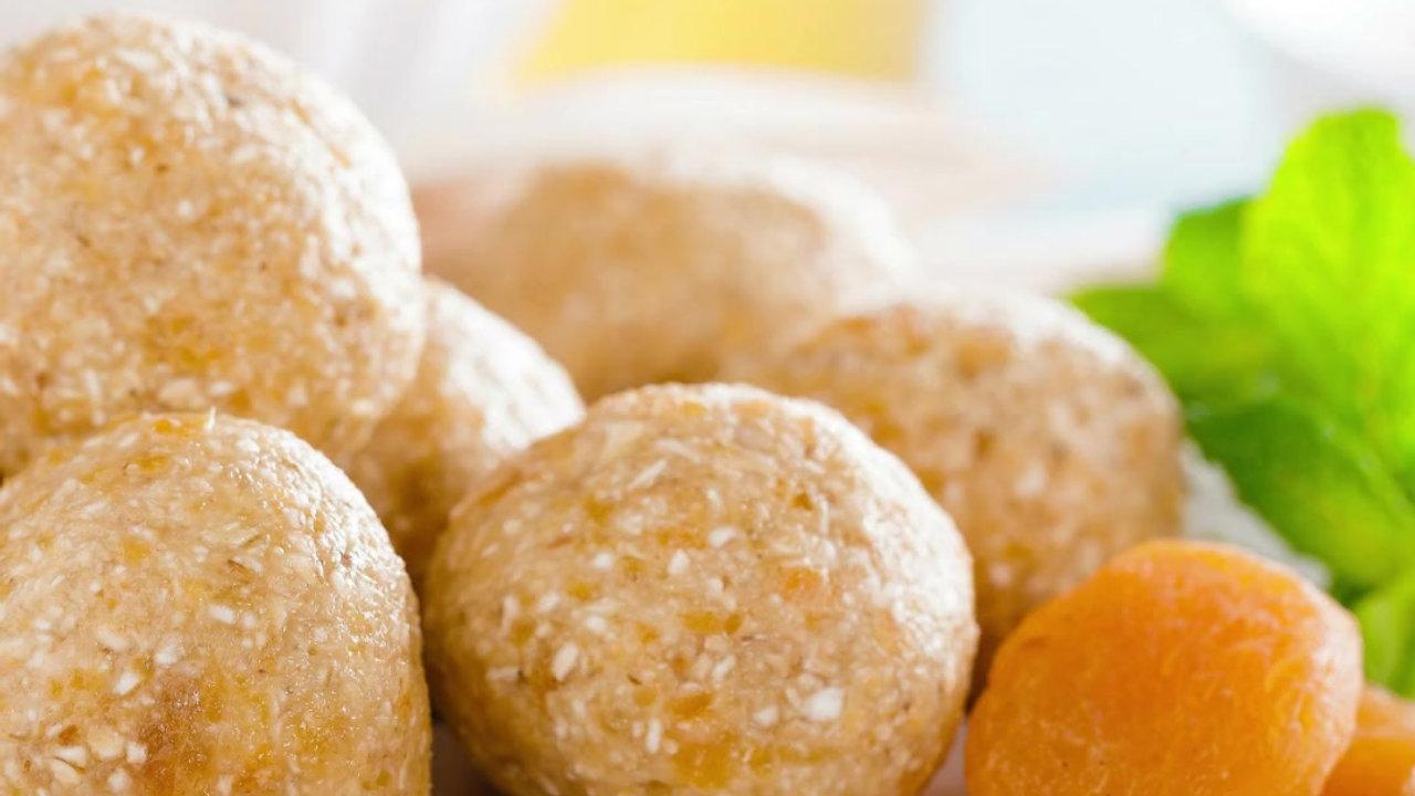 Vegan Coconut Apricot Protein Balls