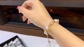 AAAA 8.5-9 mm Akoya Pearl Adjustable Bracelet 18k Gold