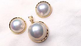 AAAA 15-16mm Mabe Pearl Earrings 18k Gold