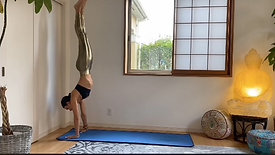 (40 min) For the Busy Yogi Ladder Handstand Flow