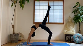 (35 Min.) For The Busy Yogi Strong Crow Flow
