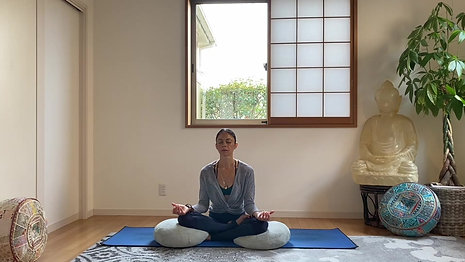 (10 Min) For the Busy Yogi Centering and Body Scan Meditation (with Music)