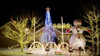 Amazing Christmas Lights - the MYVAN warm up for Xmas