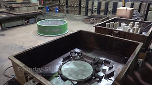 Screw mixer over hand mould