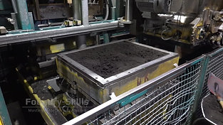 Changing process of an air impulse press moulding plant