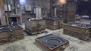 Overview of a hand moulding shop