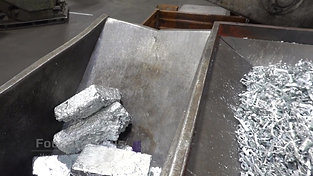 Overview ingot pouring station