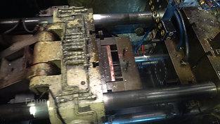 Spraying process hot chamber high pressure die casting machine