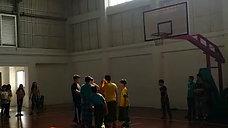 Lomba Basket Cowok Pakai Sarung