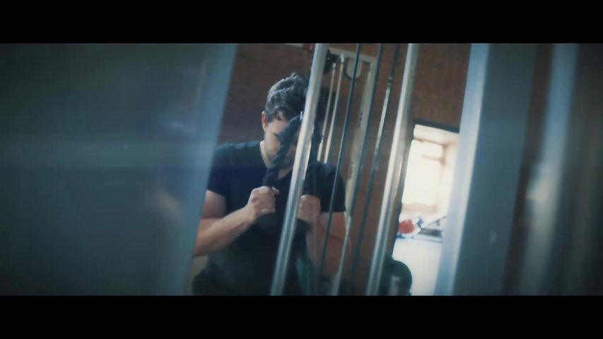 Gym Work Out Cinematic B Roll - Kelderwerk / Old School Training