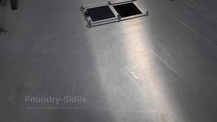 Closing a centrifugal casting machine