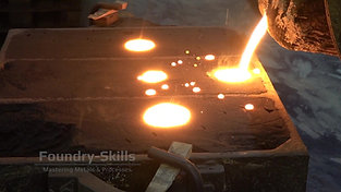 Iron casting with ignition of the casting gases