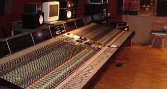 Uphon Studio Mixing