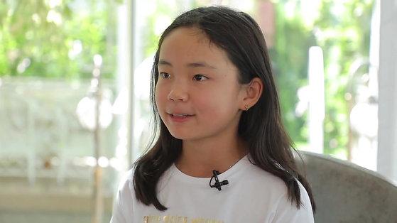 Кира, 11 лет - будущая теннисистка.