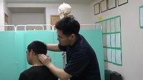 ③ 頭板状筋を緩めて、同側の首の側屈
