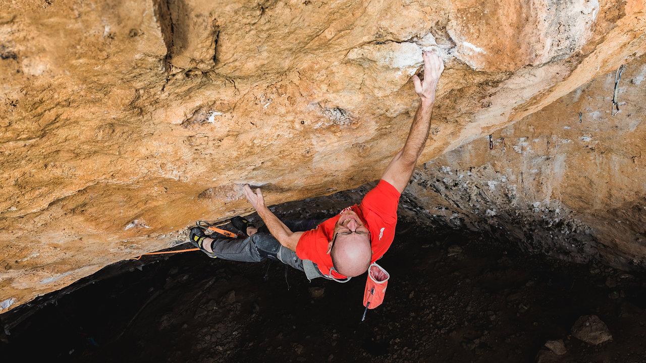 "CLIMBING | IKER POU in the hardest route of Mallorca ""GUGGENHELL"" 9a+/b"