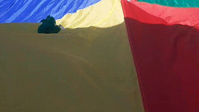 - parachute 1