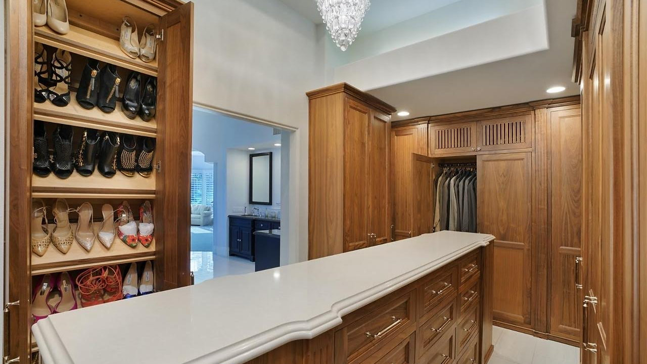 Tampa_Bay_Luxury_Custom_Cabinetry_Dennisbilt_Video