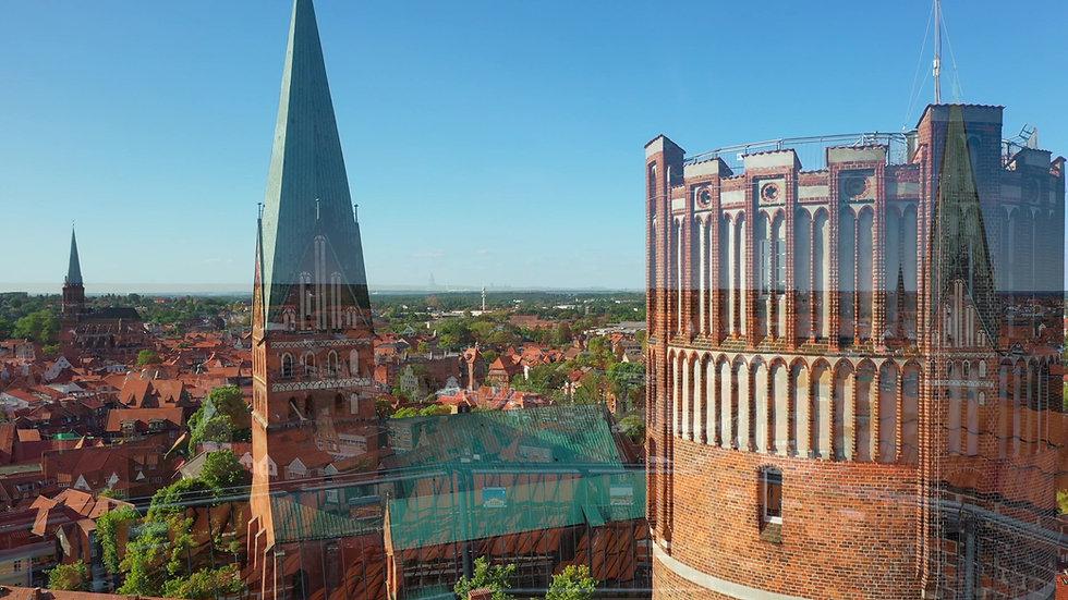 Wasserturm Lüneburg Drohnenflug - © Thorsten Scherz
