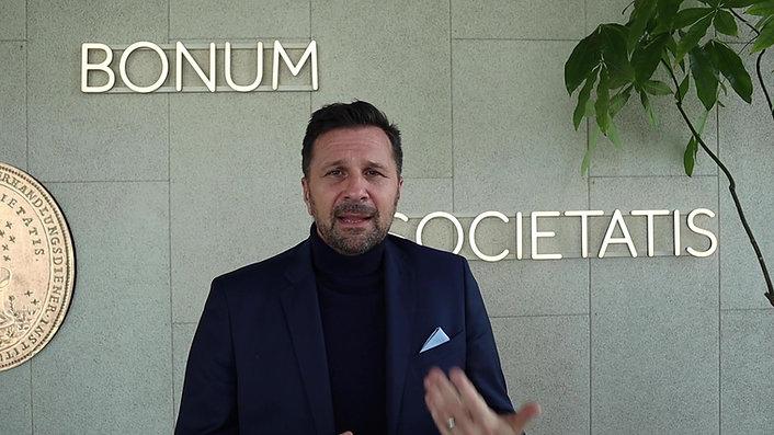 Ein kurzes Statement von Herrn Kladiva (Vorstandsdirektor der Merkur Versicherung) und Herrn Schleich (Vorstandsmitglied der Merkur Versicherung) zum Business Cross Mentoring und ihren Mentees