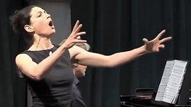 Delia Mayer singt Offenbach