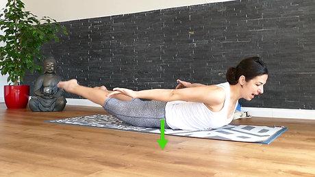 Yogatherapie - Kräftigung der Rückenmuskulatur mit der Heuschrecke