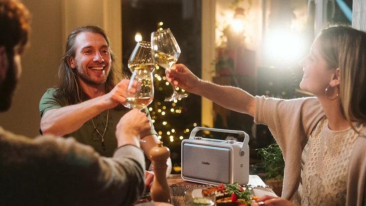 Videoproduktion für DAB+ wünscht frohe Weihnachten
