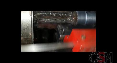 Astap reparatie met zelfgemaakte machine