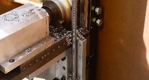 Custom made freesmachine voor specifiek project