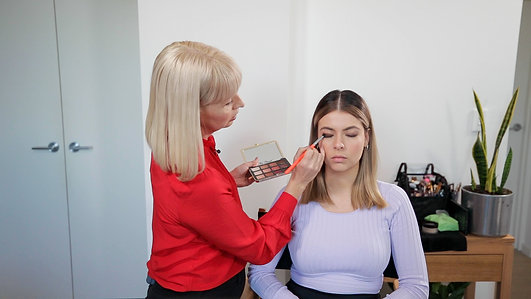 How To Do An Easy Smokey Eye