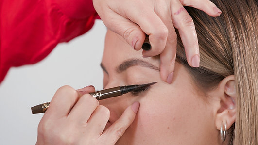 How To Do A Winged Liner Like A Pro