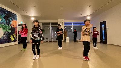 KIDS DANCE(初級))YURI